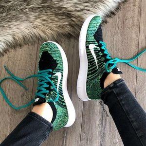 official photos 719b7 b668a Nike Shoes - NWT 🦖Nike ID Free Rn Flyknit